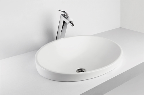 Compact design for small bathrooms.<br />Available in white<br />shape: Oval