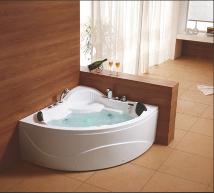 Size: 1230 x 1230 x 620 mm Water Capacity(L): 115-187